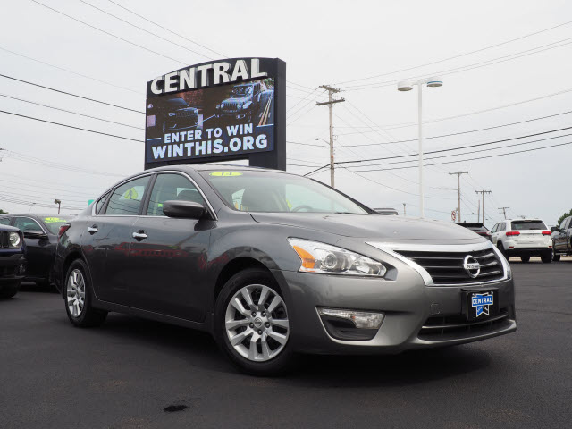 Pre-Owned 2014 Nissan Altima S