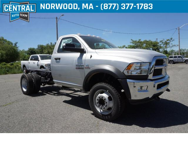 Dodge 5500 >> New 2018 Ram 5500 Slt Chassis Regular Cab 4x4 144 5 Wb
