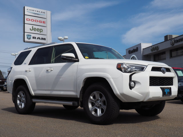 2017 toyota 4runner cargo space best new cars for 2018. Black Bedroom Furniture Sets. Home Design Ideas